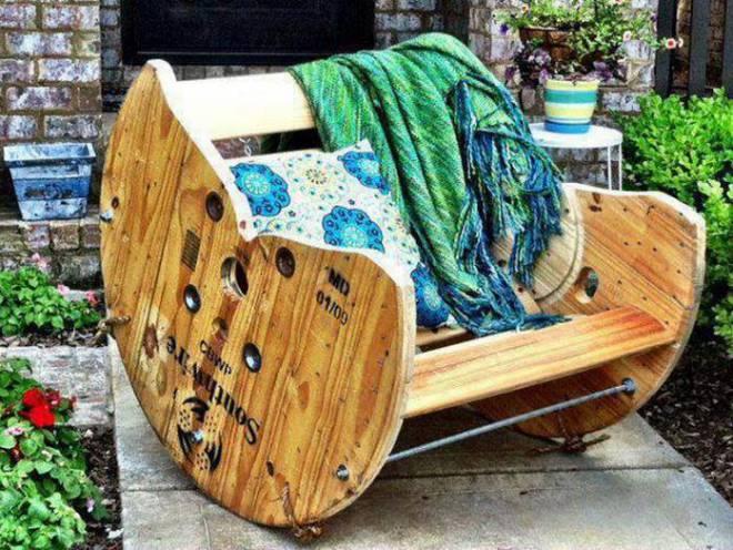 Як зробити прості меблі з нічого
