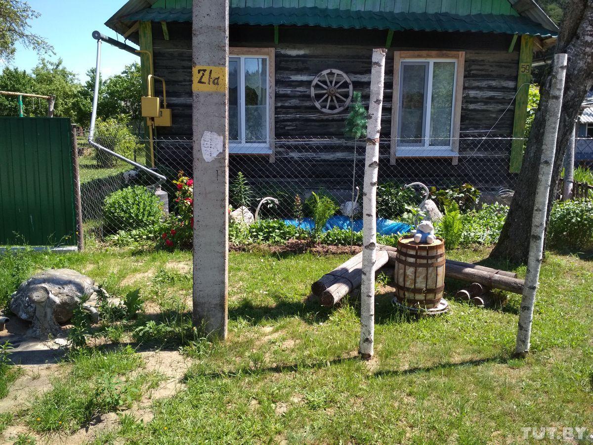 kak_iz_prostogo_derevenskogo_doma_sdelali_dachy_s_hydojestvennim_yklonom_2.jpg