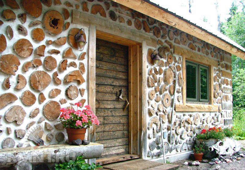 dom_iz_drov_i_glini_polennica_ili_glinochyrka_1.jpg