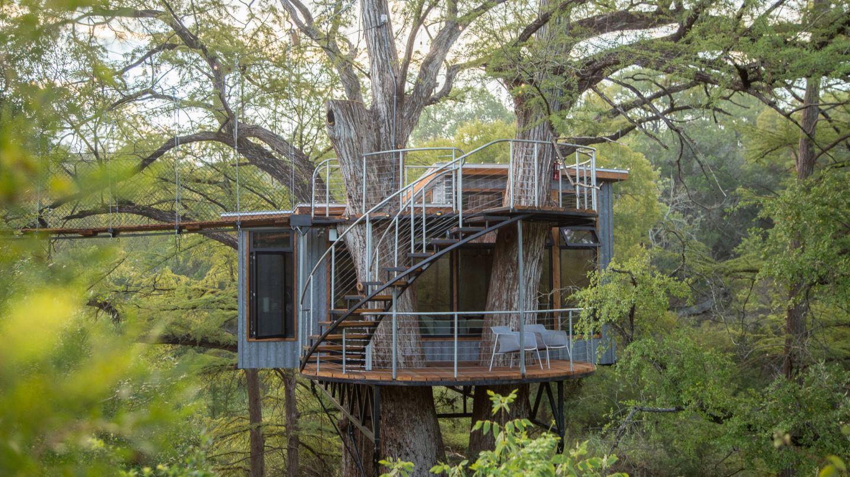 ignant-architecture-will-beilharz-yoki-treehouse-13-1440x810.jpg