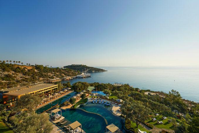 01-the-main-pool-terrace-with-pool-bar-and-restaurant-678x453.jpg
