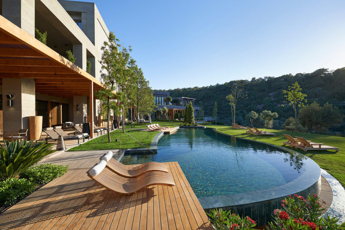 21-the-spa-pool-and-gardens-678x453.jpg