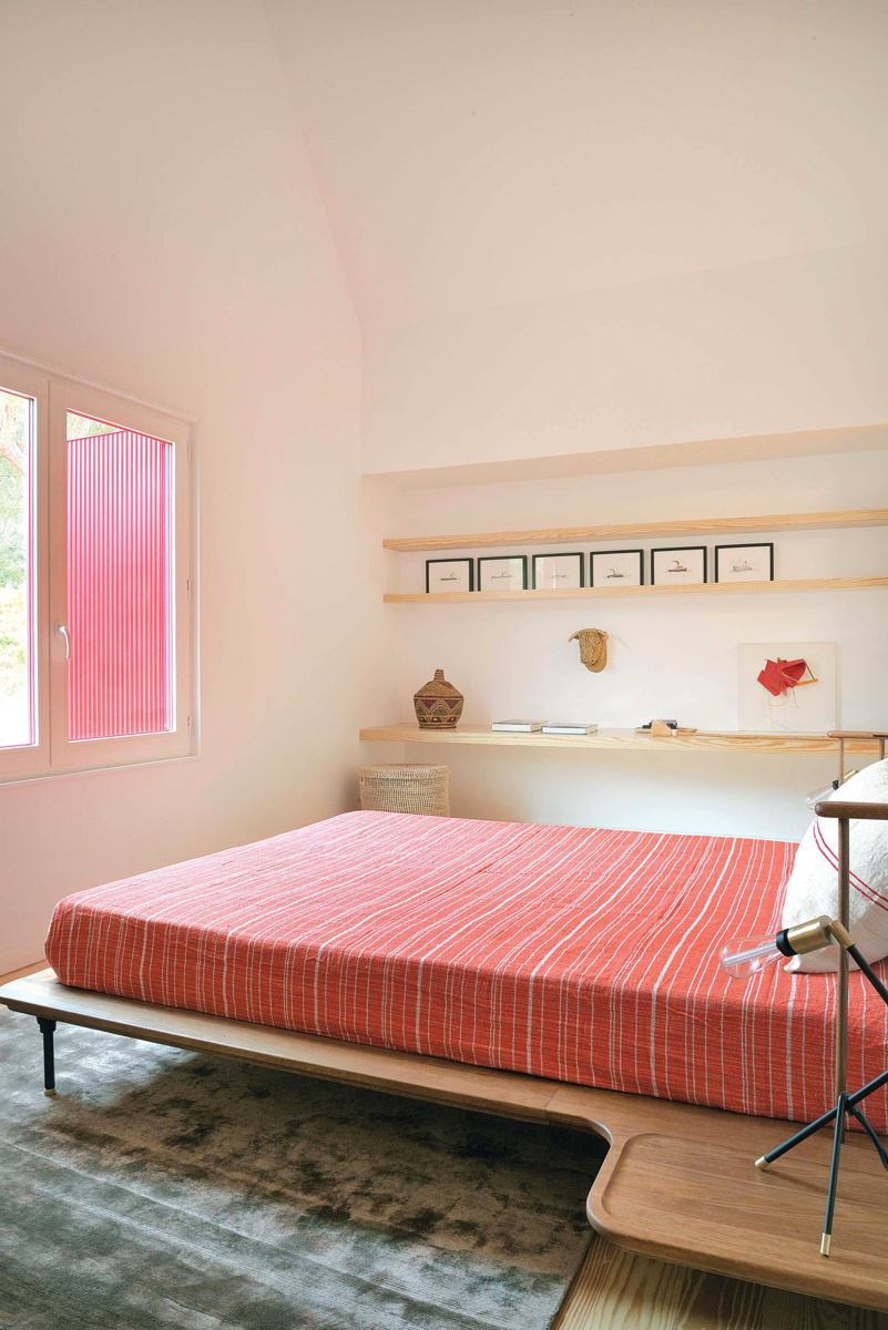 red-house-16.jpg
