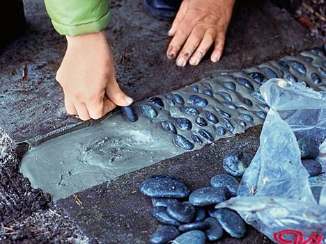 plates-of-pebbles-12.jpg