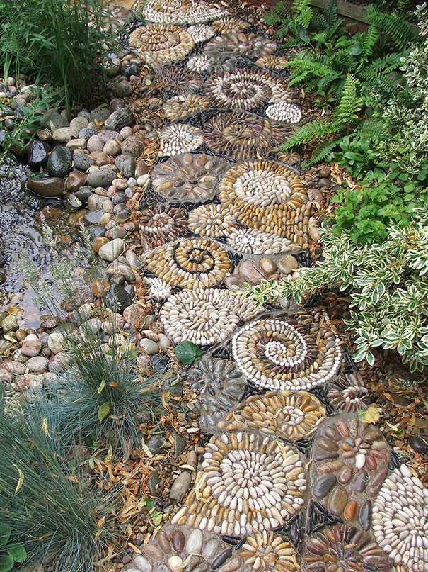 garden-pebble-path-03.jpg