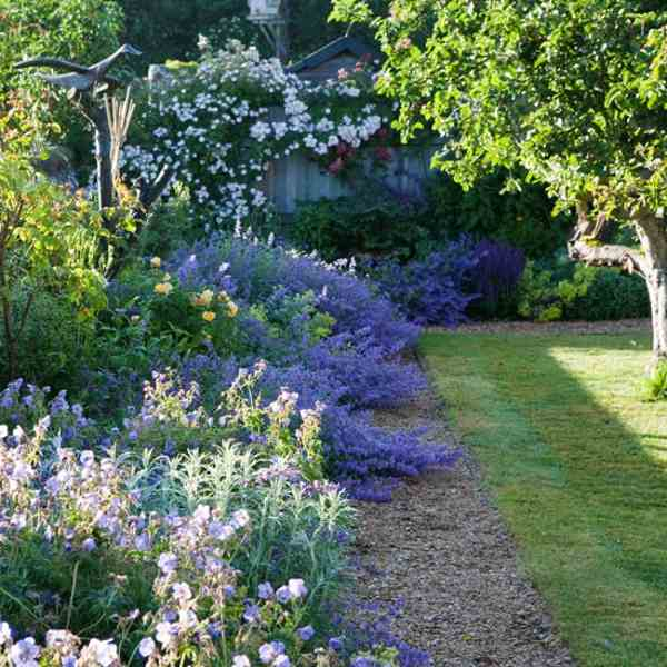garden-in-country-style-01.jpg