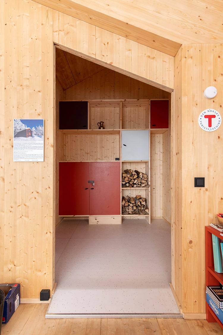 fuglemyrhytta-olso-cabin-snohetta_dezeen_2364_col_6.jpg