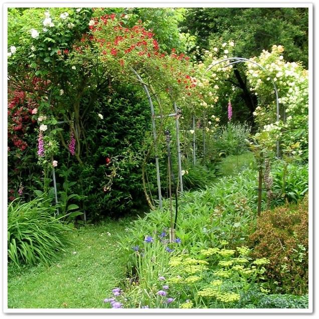 Французські сади. Арки в саду