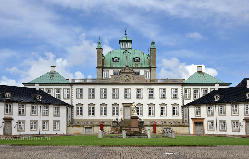 dvorcovie_sadi_fredensborg_1.jpg