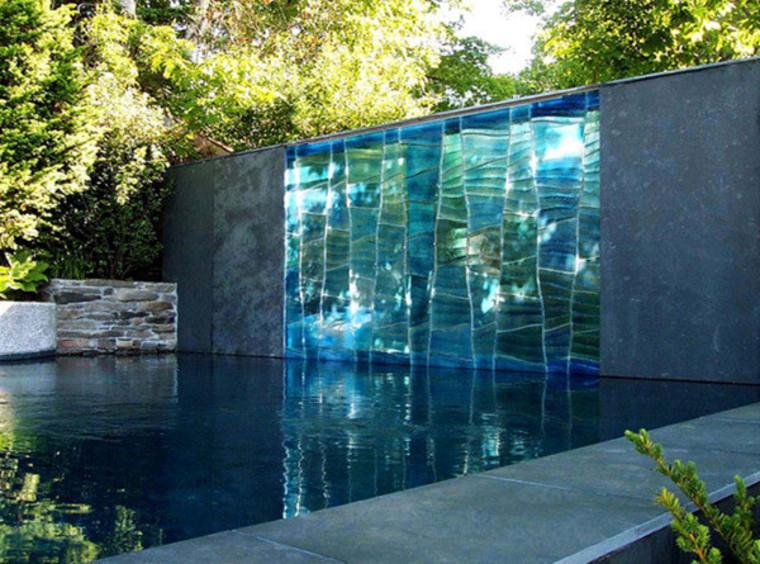 Стекло и вода в ландшафтном дизайне