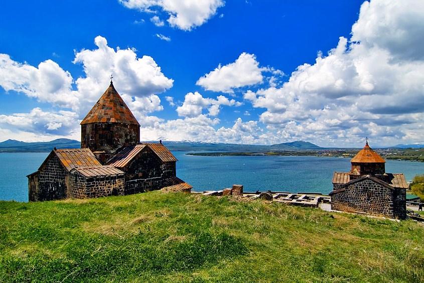 ozero_sevan_dostoprimechatelnost_armenii_8.jpg