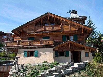 Дерев яні будинки шале