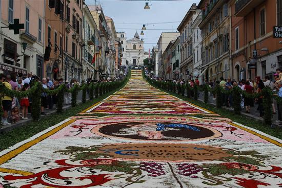 infiorata_cvetochnii_festival_v_italii_3.jpg