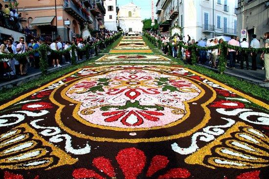 infiorata_cvetochnii_festival_v_italii_9.jpg