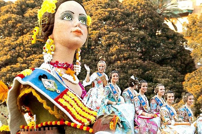 samie_znamenitie_cvetochnie_festivali_mira_16.jpg