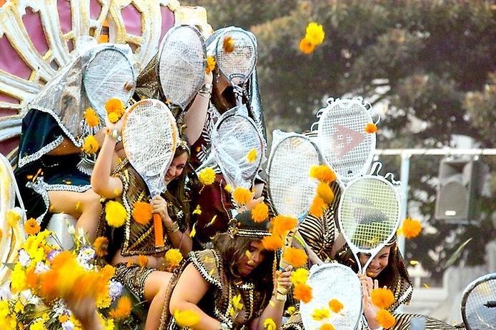 samie_znamenitie_cvetochnie_festivali_mira_17.jpg