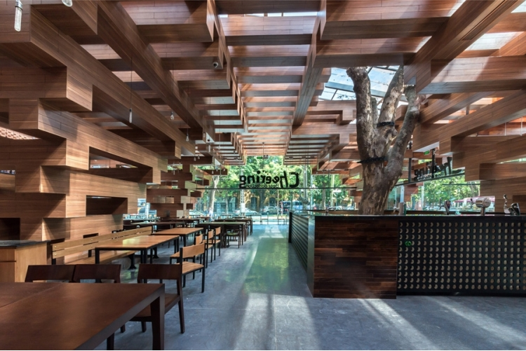 derevyannii_restoran_cheering_ot_buro_h_and_p_architects_v_hanoe_2.jpg