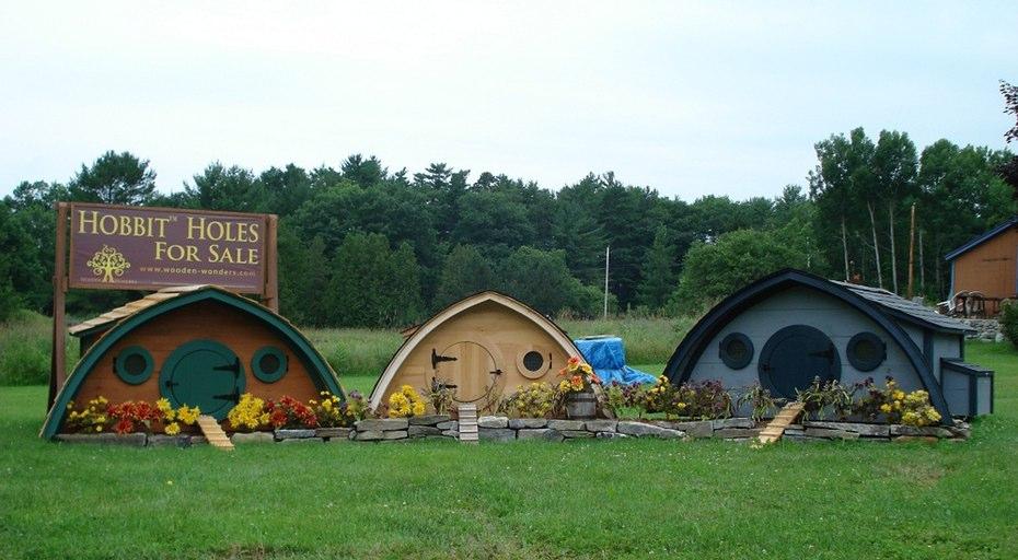 hobbit-holes-wooden-wonders-2.jpg