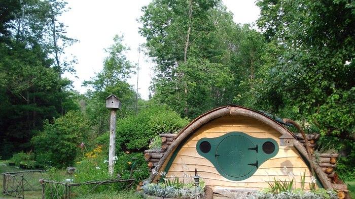 hobbit-holes-wooden-wonders.jpg