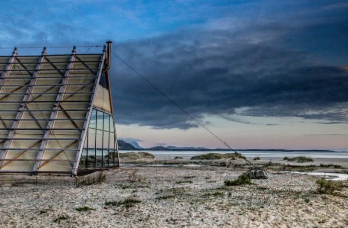 worlds-largest-sauna-agora-salt-festival-norway-designboom-09-694x455.jpg