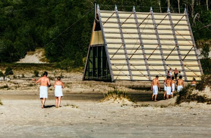 worlds-largest-sauna-agora-salt-festival-norway-designboom-03-694x455.jpg