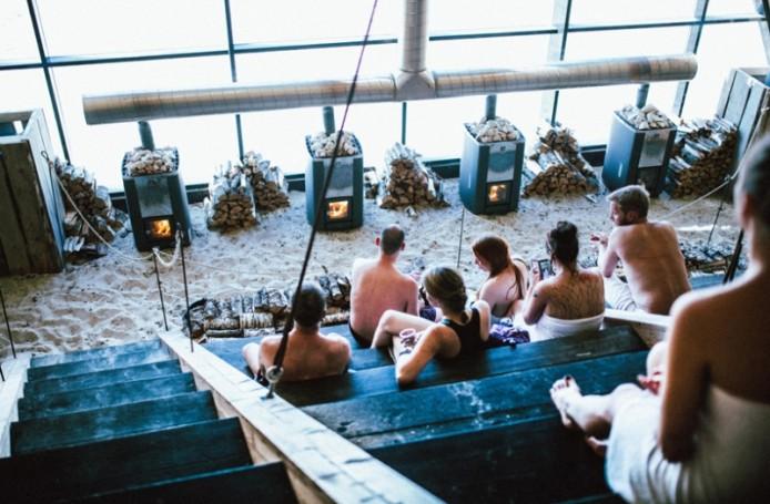 worlds-largest-sauna-agora-salt-festival-norway-designboom-05-694x455.jpg
