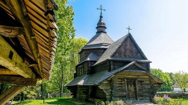 20_lychshih_etnograficheskih_myzeev_mira_18.jpg