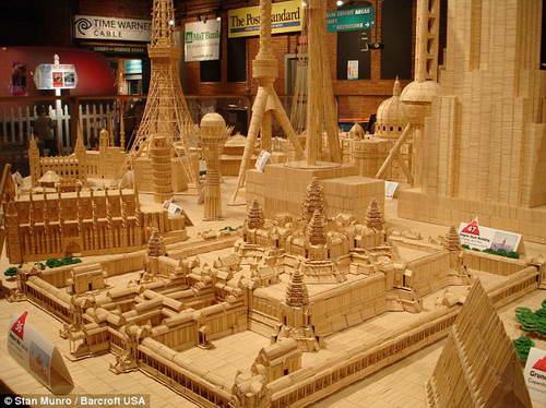 Створив точну копію храму в барселоні