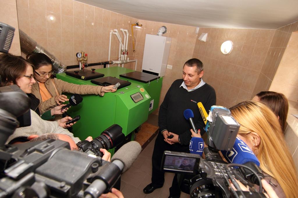 anatol_fale_moya_semya_perezimyet_v_dome_otaplivaemom_ekologicheskoi_energiei.jpg