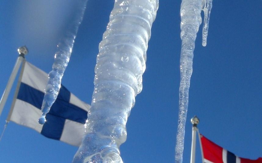 finlandflag_3319853k.jpg