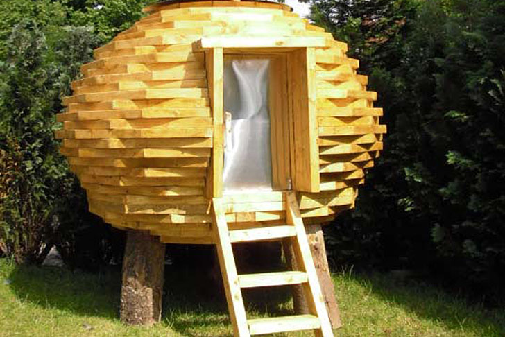6-best-curious-tiny-sheds-from-random-materials-2.jpg