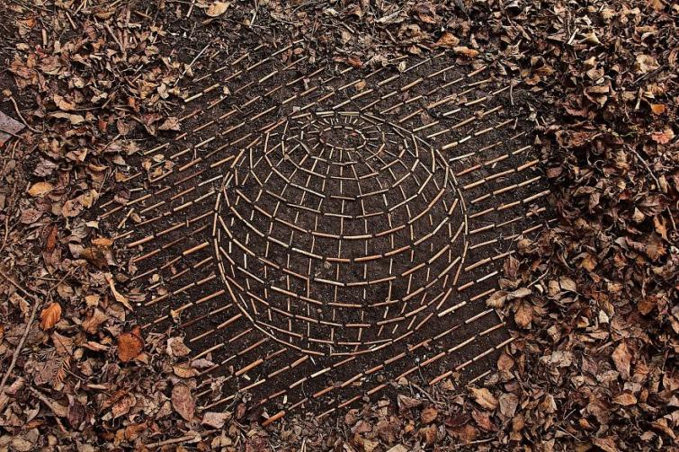 7cbb3cd-james-brunt-natural-materials-land-art-england52-5a7d95323b9bd--880.jpg