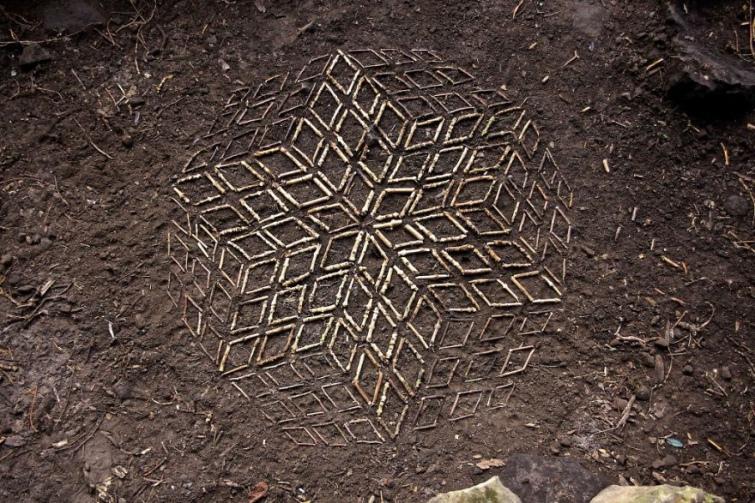 88a0238-james-brunt-natural-materials-land-art-england81-5a7d94a553f20--880.jpg
