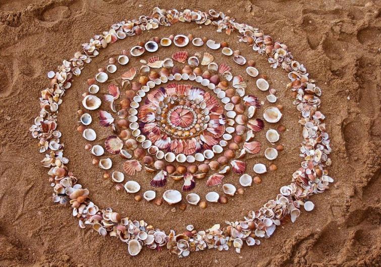 e78bdfb-james-brunt-natural-materials-land-art-england61-5a7d954c574e6--880.jpg