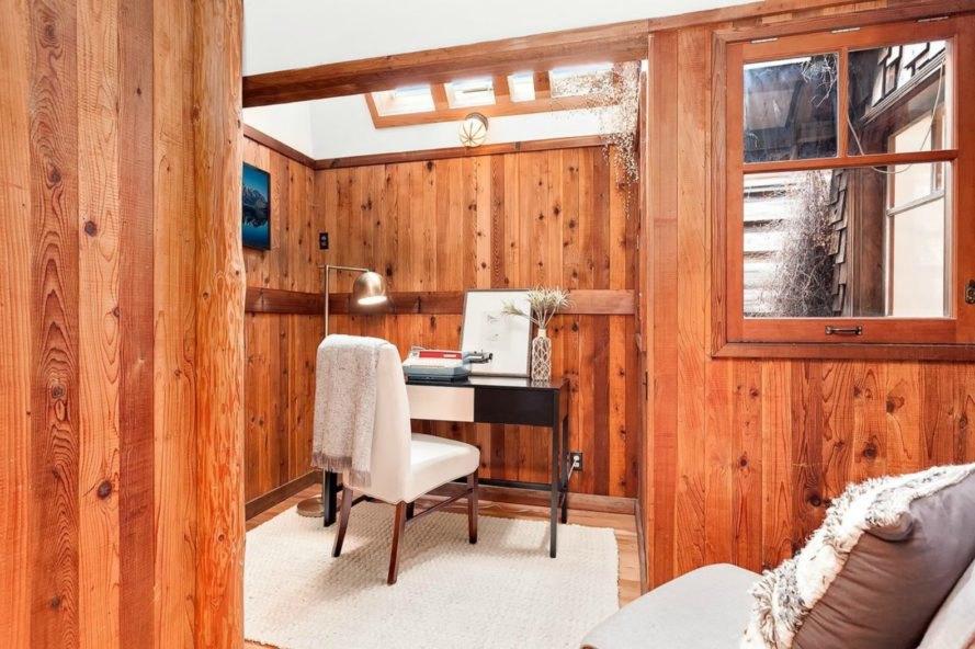 storybookhouseboat5-889x592.jpg