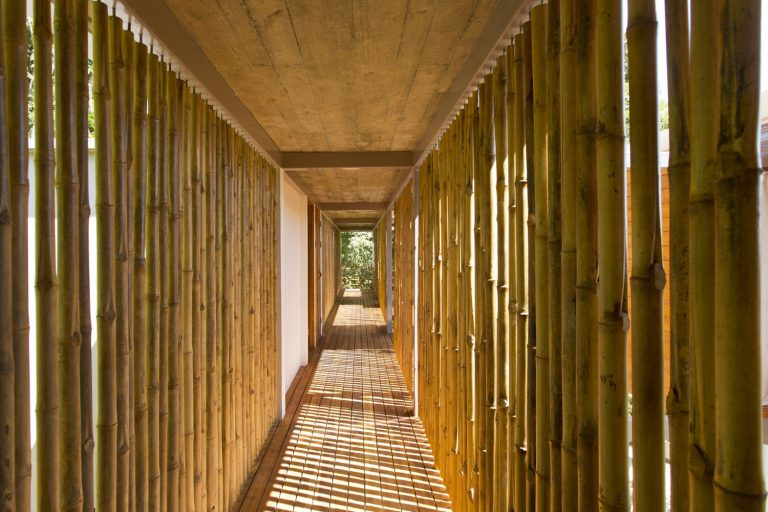 ocean-view-modern-wooden-house-costa-rica_11-768x512.jpg