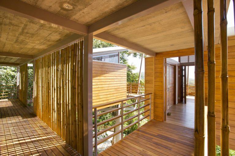 ocean-view-modern-wooden-house-costa-rica_12-768x512.jpg