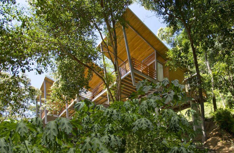 ocean-view-modern-wooden-house-costa-rica_17-768x502.jpg