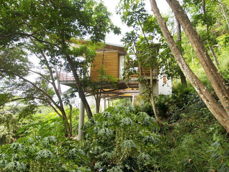 ocean-view-modern-wooden-house-costa-rica_18-768x577_1.jpg