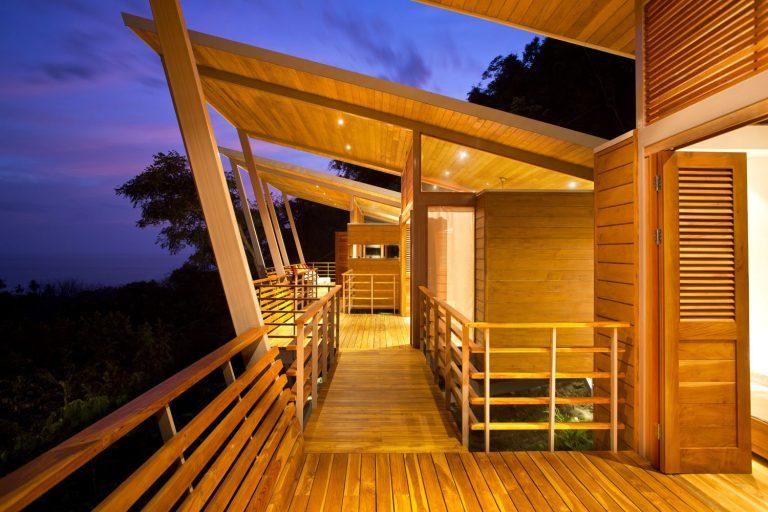 ocean-view-modern-wooden-house-costa-rica_22-768x512.jpg