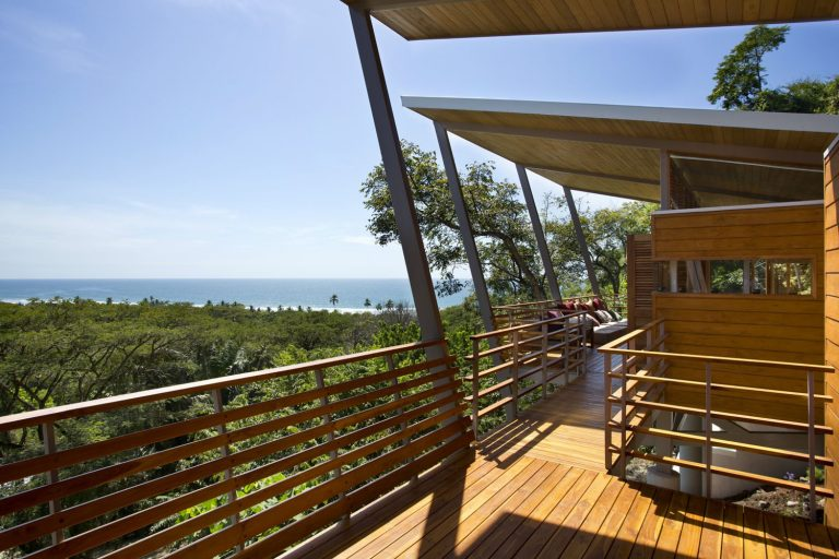ocean-view-modern-wooden-house-costa-rica_4-768x512.jpg