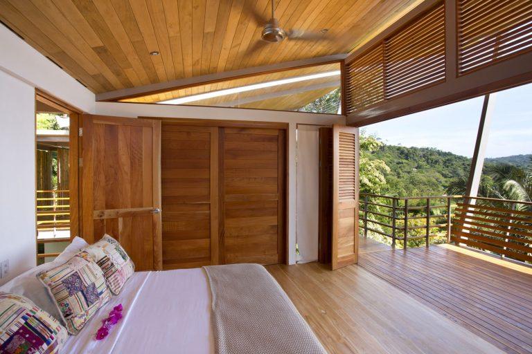 ocean-view-modern-wooden-house-costa-rica_5-768x512.jpg