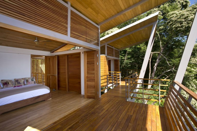 ocean-view-modern-wooden-house-costa-rica_6-768x512.jpg