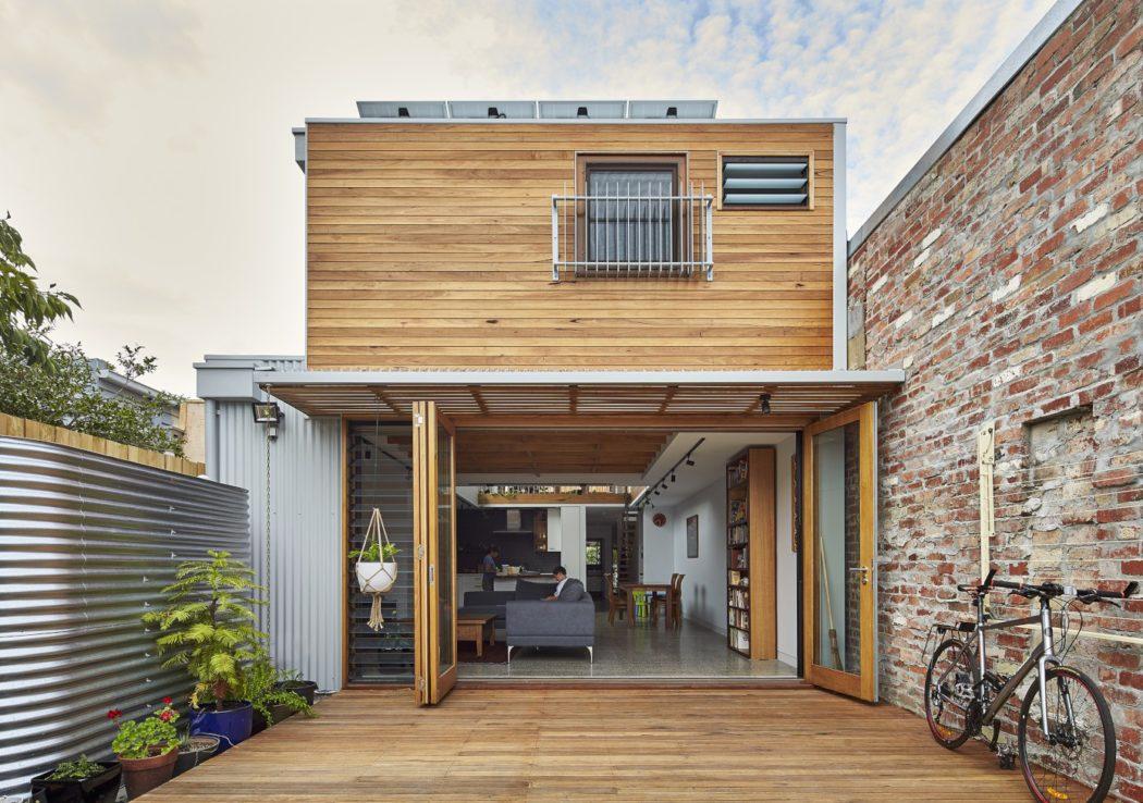 003-house-ben-callery-architects-1050x738.jpg