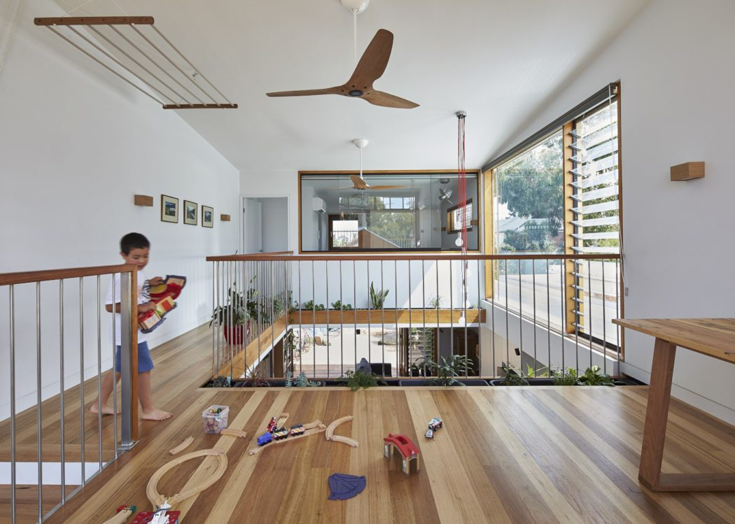 004-house-ben-callery-architects-1050x749.jpg