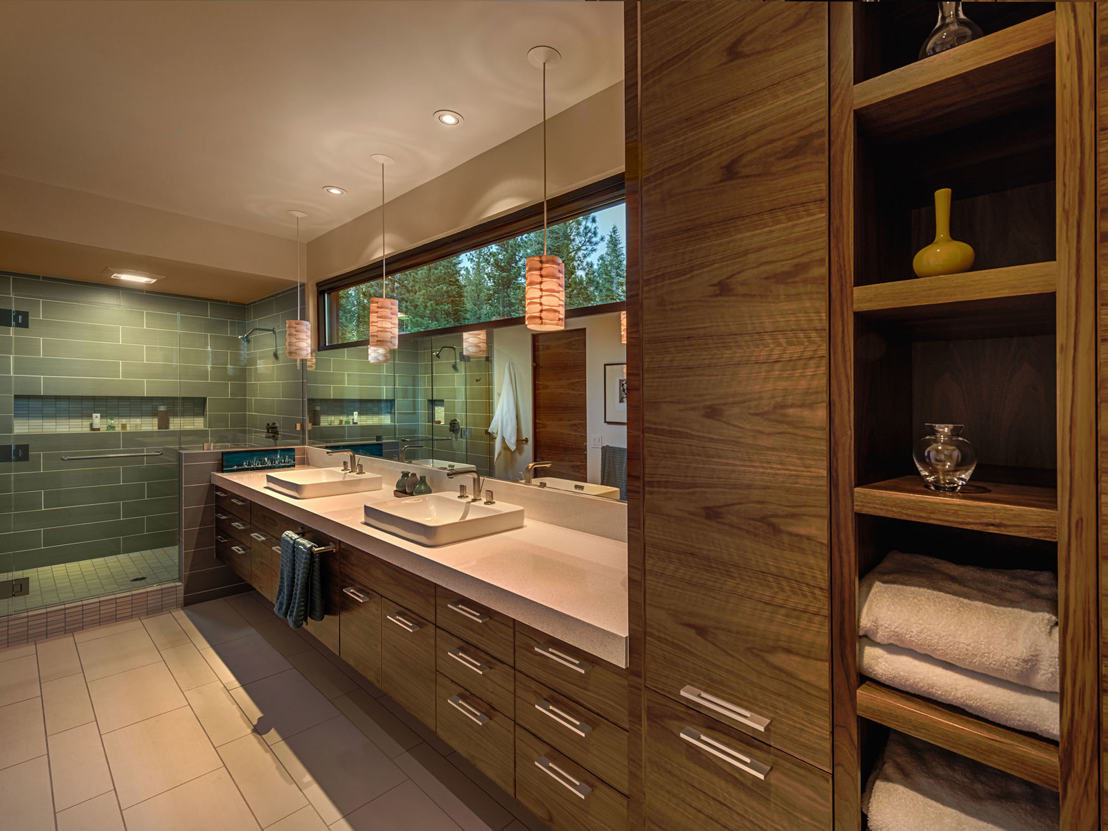 bathroom-walk-in-shower_s600.jpg
