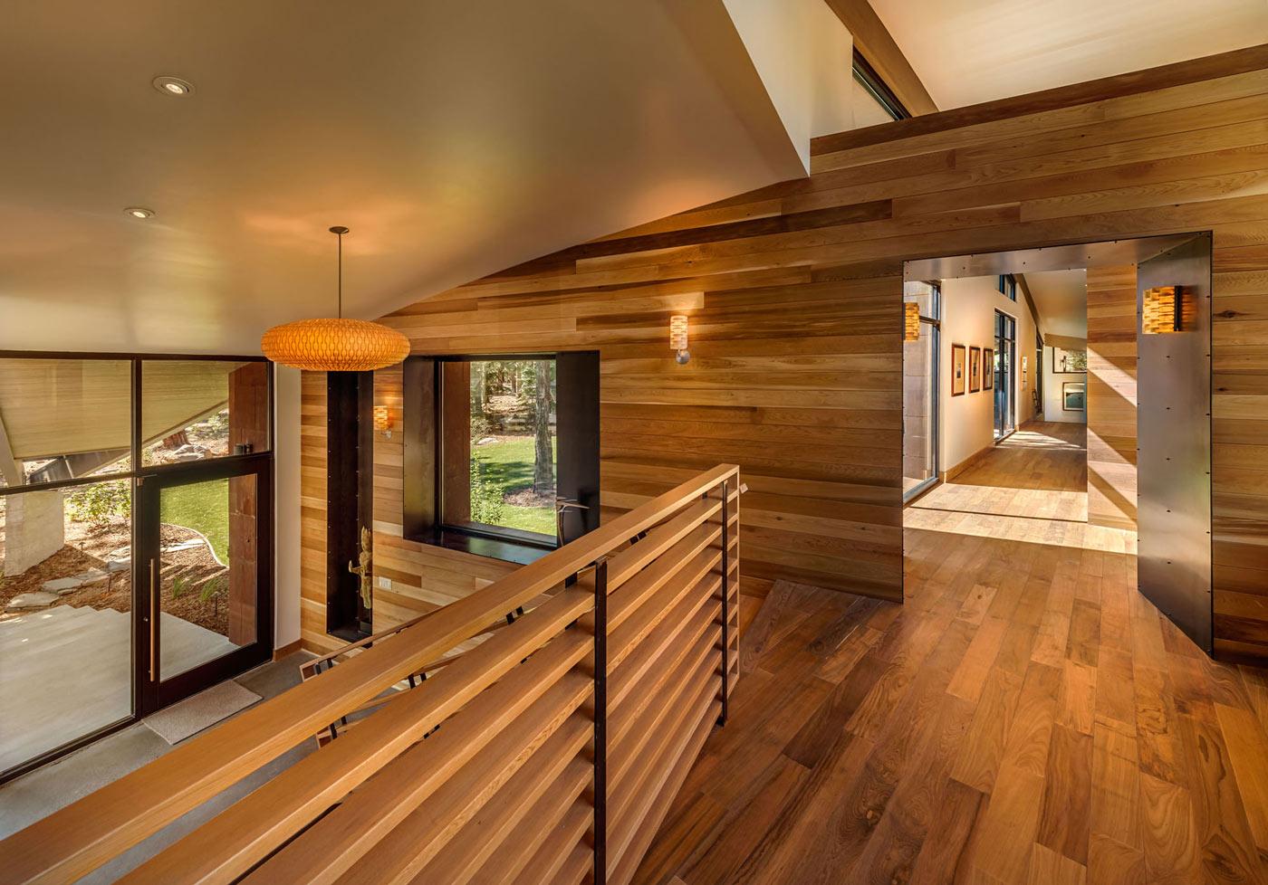 landing-wood-walls-floor.jpg