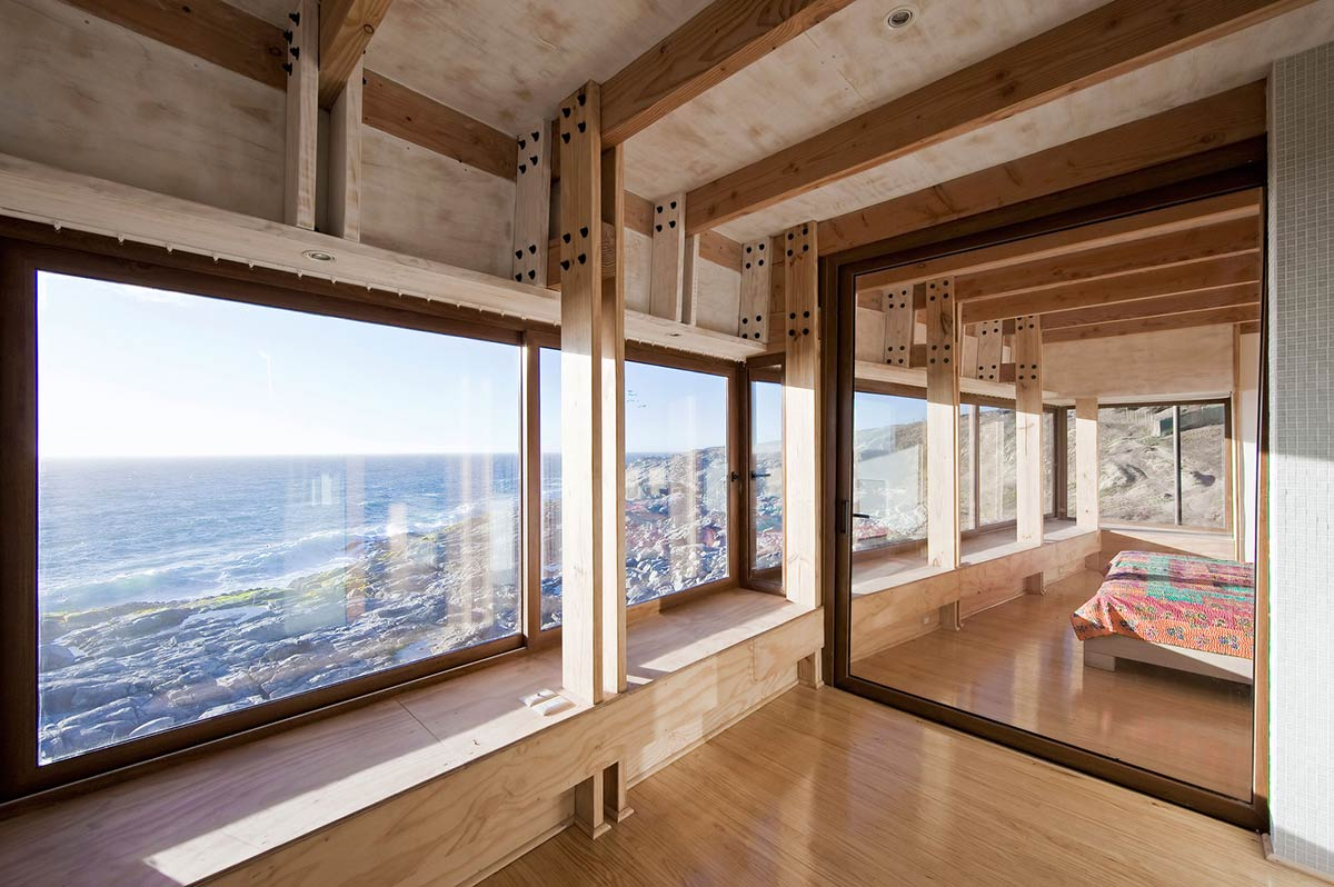 la-baronia-house-quintero-bedroom-large-mirror.jpg